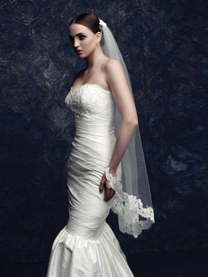 Elegant Tule With Kant Bridal Sluiers